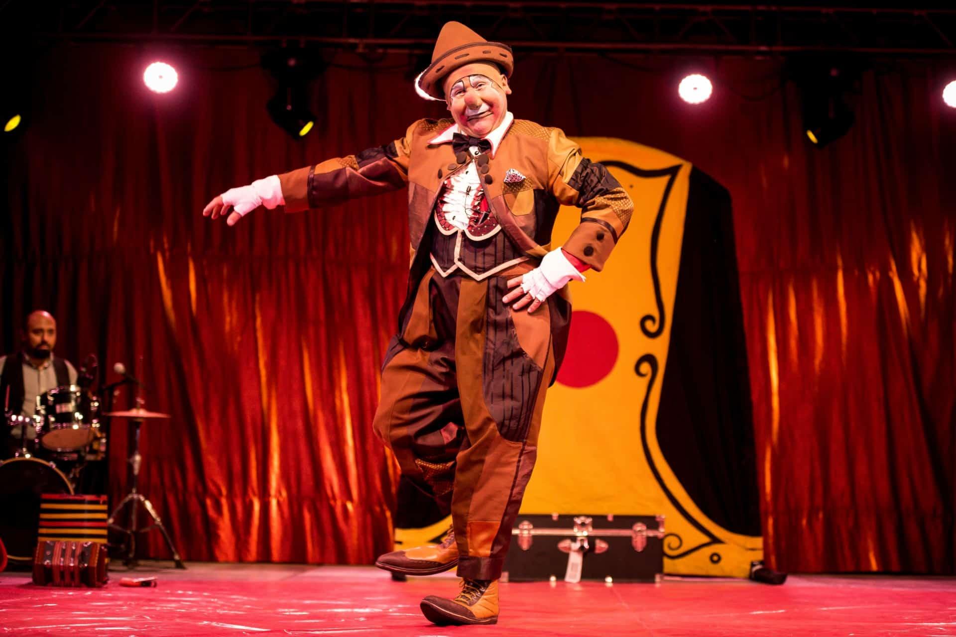 Clown, director y artista